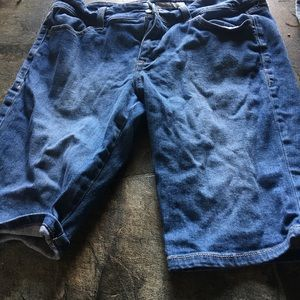 Old navy size 10 mid rise shorts